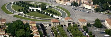 Prato della Valle piazza rabin 9010113 fotolia 380 ant