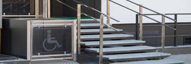 Barriere architettoniche disabilità disabili invalidi scale 380 ant fotolia 101146449